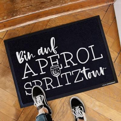 """Bin auf Aperol Spritz Tour - Fußmatte von VS"""""""