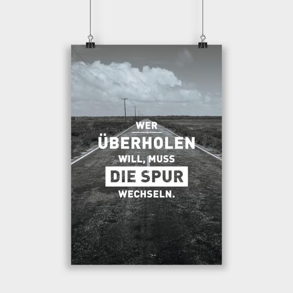 Wer überholen will - Poster